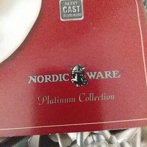 Nordic Ware Kitchen - Nordic Ware Mini Cake Pan